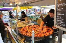 Jeff was really taken by this massively gigantic paella but, it was 10AM too early for that!