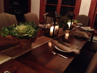 For a Tuscan casual vibe decorative cabbage and lanterns...